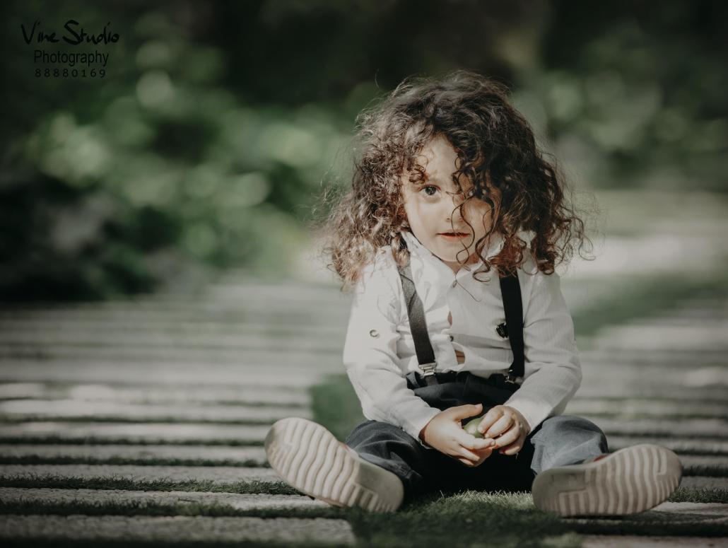 آتلیه کودک-نوزاد-بارداری-آتلیه عکاسی-آتلیه واین-نورطبیعی-خلافیت عکاسی