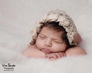 عکاسی نوزاد تاره به دنیا آمده