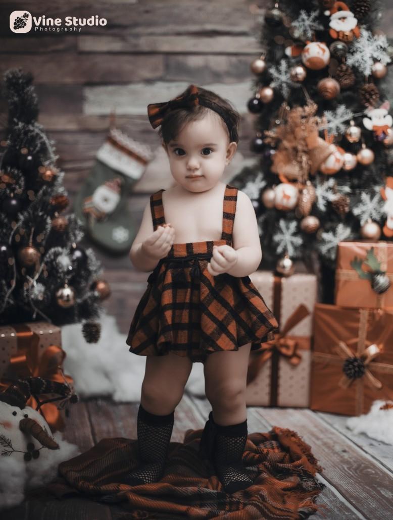آتلیه عکاسی کودک - دکور کریسمس